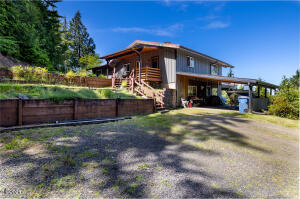 498 Nf-3489, Waldport, OR 97394 - Main Entry Off Driveway
