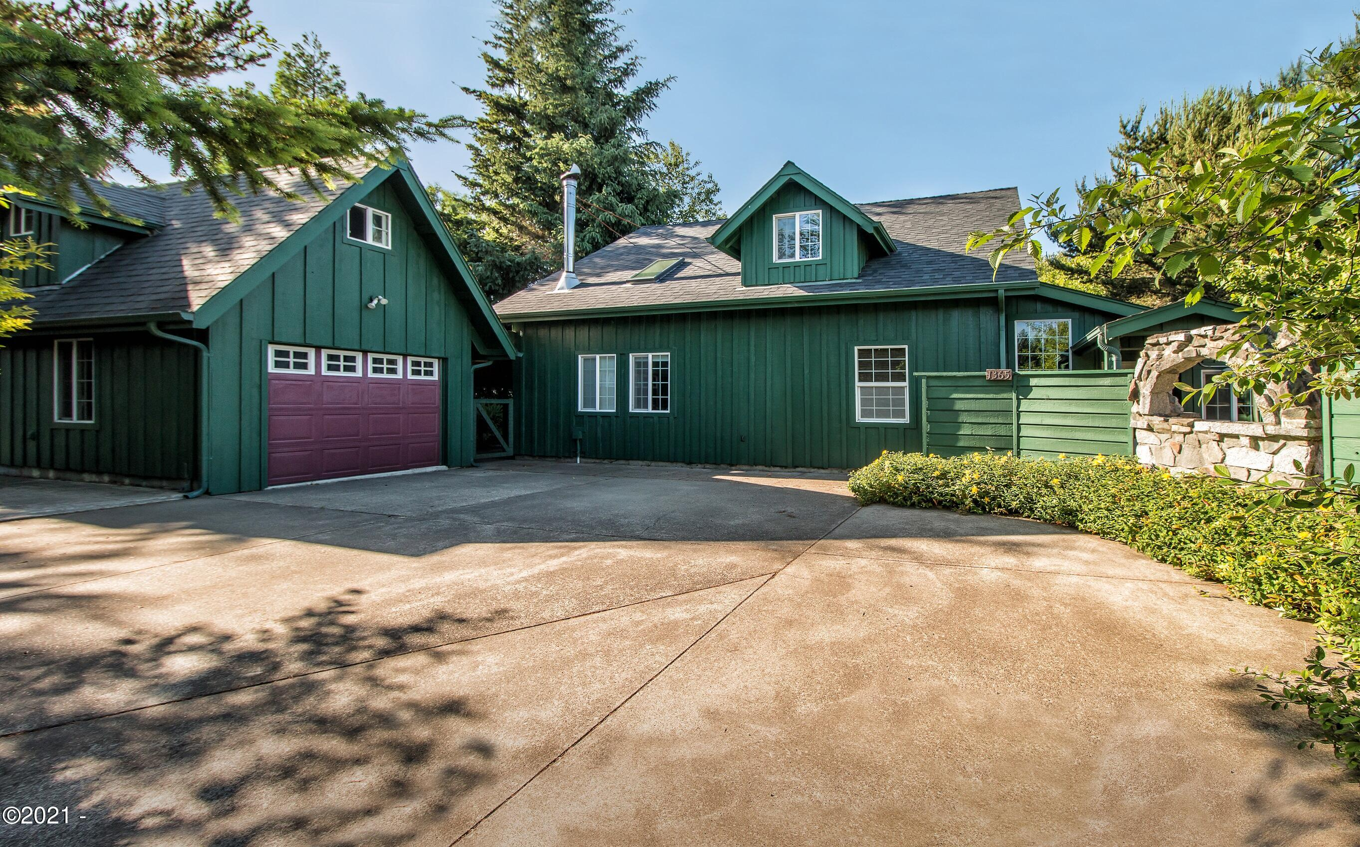 1365 SE Virginia Pl, Waldport, OR 97394 - Front Of Home