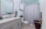 2950 SW Beach Ave, Lincoln City, OR 97367 - Bathroom