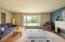 332 NE Chambers Ct, Newport, OR 97365 - Living room