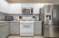 603 SE Port Ave, Lincoln City, OR 97367 - kitchen