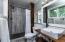 567 NE 20th Pl, Newport, OR 97365 - Primary Bathroom