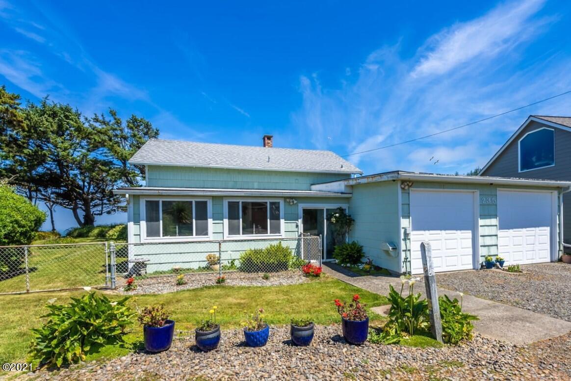 235 NW Vista St, Depoe Bay, OR 97341