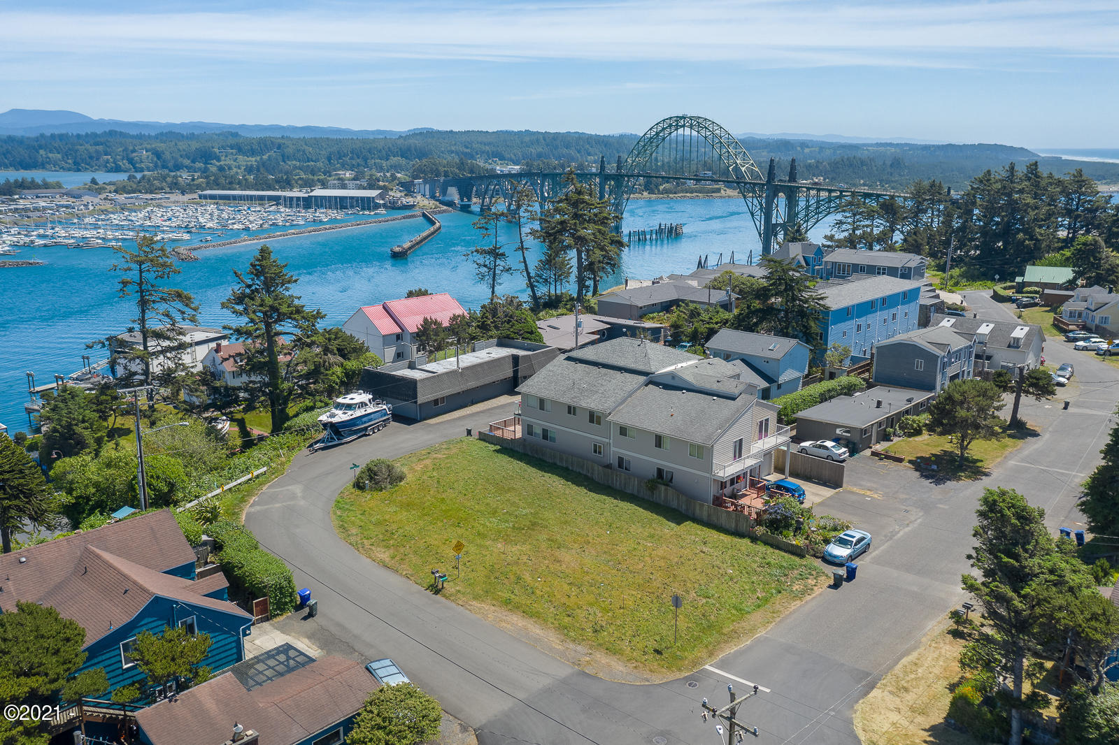 910 SW Bay View Ln, Newport, OR 97365 - 910 SW Bay View Ln