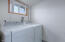 5945 El Mar Ave, Lincoln City, OR 97367 - Laundry