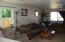 926 NE Fogarty St, Newport, OR 97365 - Living Rm