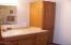 926 NE Fogarty St, Newport, OR 97365 - Full main bath 2