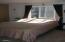 926 NE Fogarty St, Newport, OR 97365 - Main bedroom