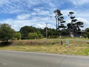 1106-1120 Tara Lane, Waldport, OR 97394 - Corner of Tara Lane