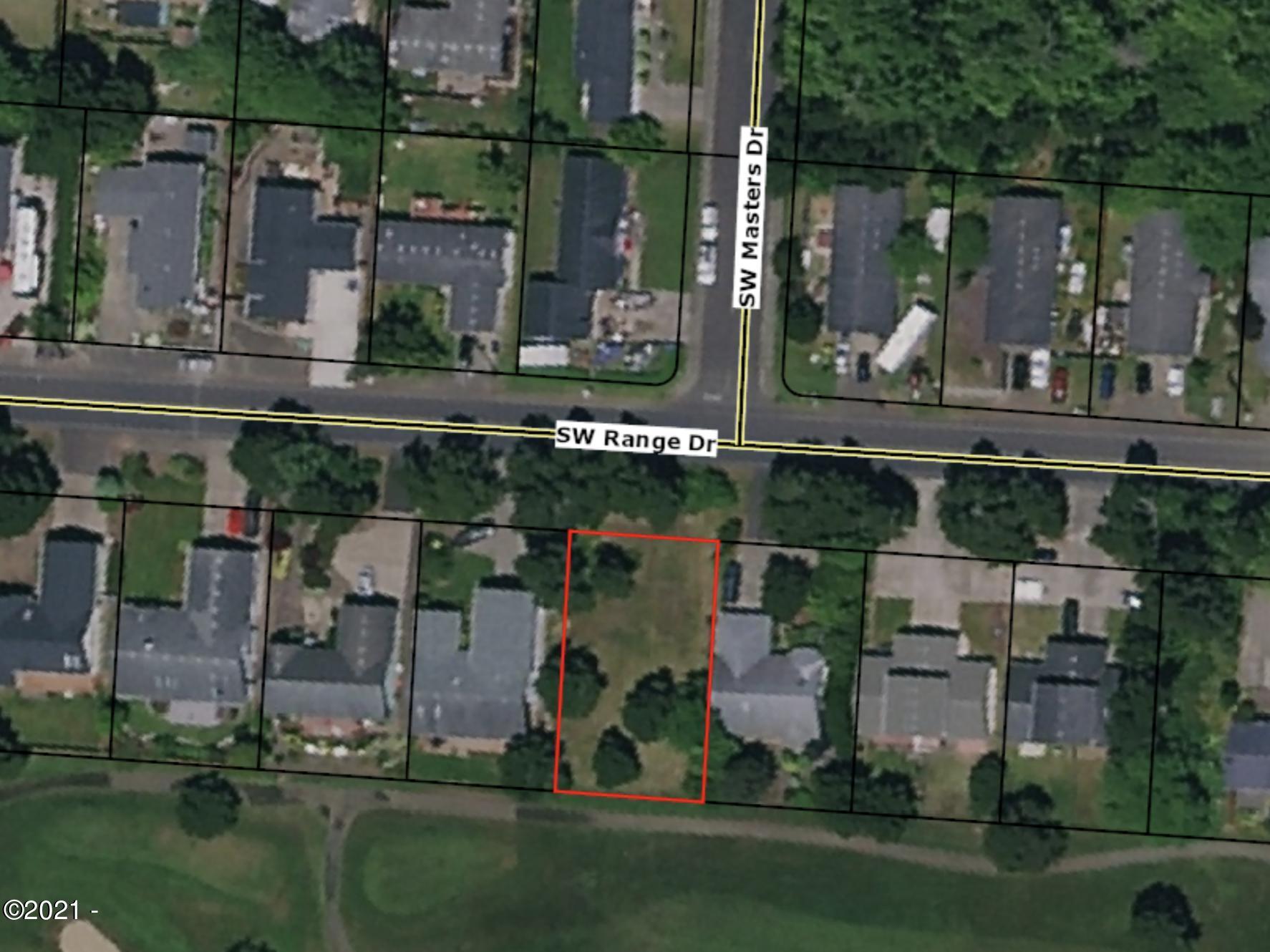 305 SW Range Dr, Waldport, OR 97394 - Golf Course Lot