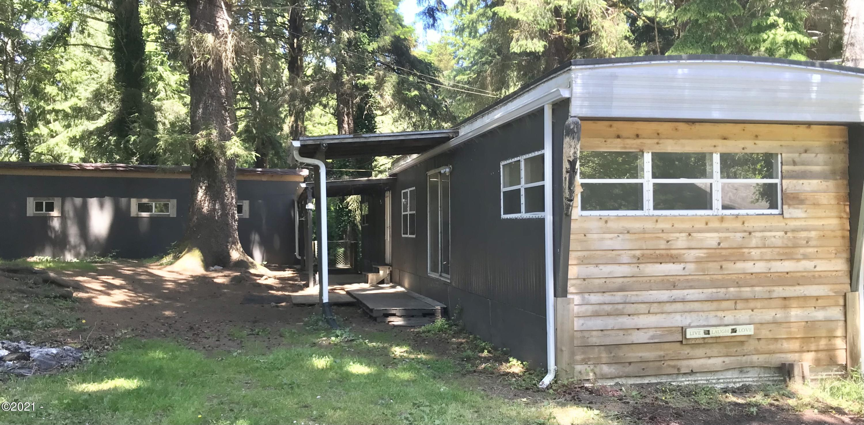 381 SE 116th Street, South Beach, OR 97366 - Font of home