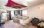 2702 NE Holmes Rd, A & B, Lincoln City, OR 97367 - Studio Living Area