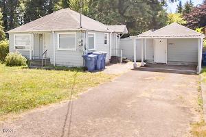 2702 NE Holmes Rd, A & B, Lincoln City, OR 97367 - 1 Bedroom Cottage & Detached Studio