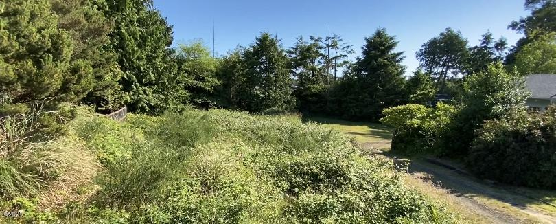 625 SW Green Dr, Waldport, OR 97394 - Road View