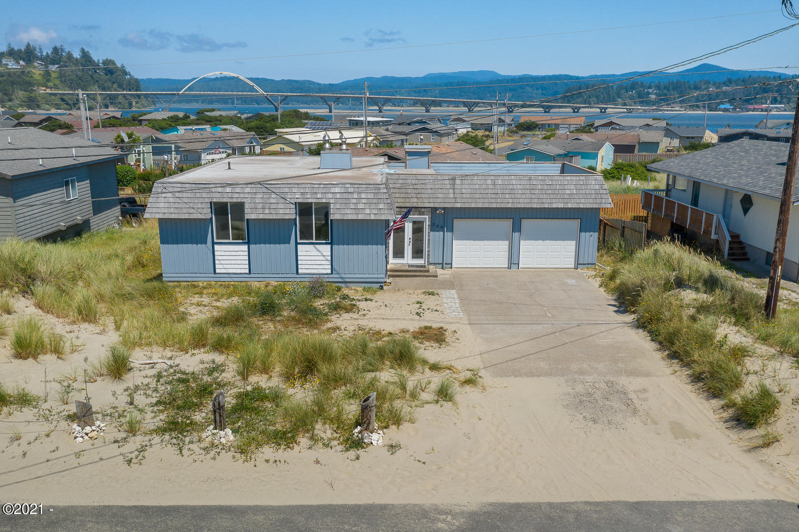209 NW Oceania Dr, Waldport, OR 97394