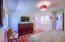 854 SE 5th St, Newport, OR 97365 - Master Suite