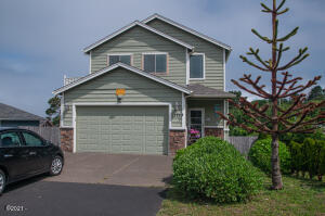 1535 NE 13th St, Lincoln City, OR 97367 - front view