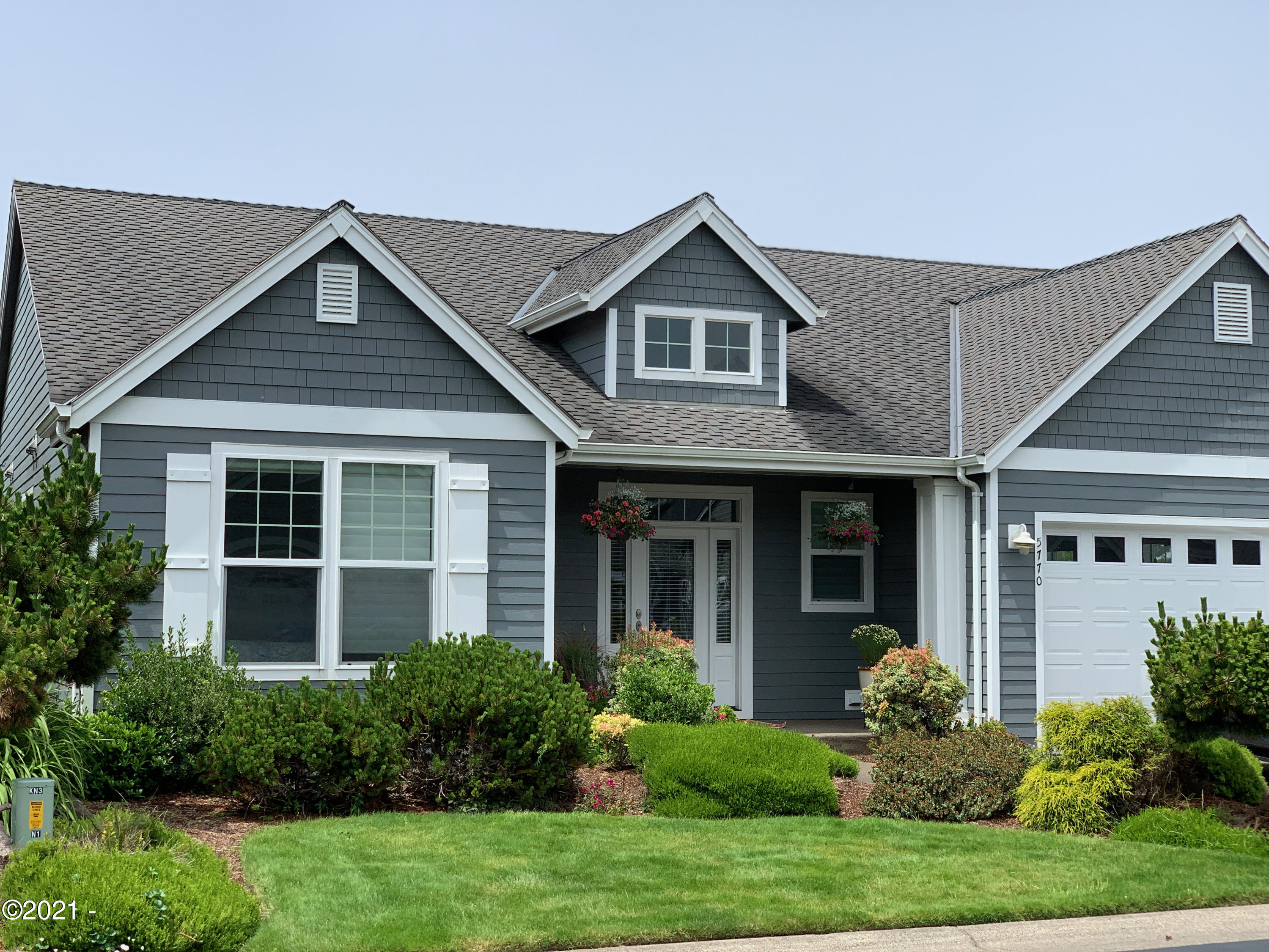 5770 SW Barnacle Ct, Newport, OR 97366 - Frontelevation