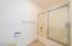 2209 NW Oar Pl, Lincoln City, OR 97367 - Master bath