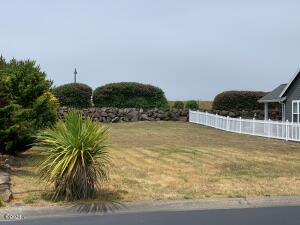LOT 95 SW Barnacle Ct., Newport, OR 97366 - Looking West