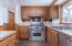 6350 Raymond Ave, Gleneden Beach, OR 97388 - Kitchen Gas Downdraft Range