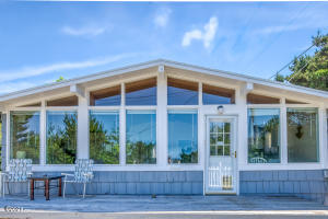 1126 NW Parkview St, Seal Rock, OR 97376 - Front