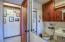 6 NW Brook St, Newport, OR 97365 - Bath w/shower