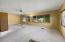 3426 NE Avery St, Newport, OR 97365 - Living room
