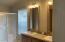 1130 SW Ocean Hills Dr, Waldport, OR 97394 - Master bath-