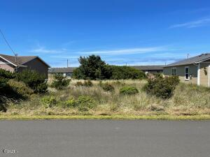 1702 NW Parker Ave, Waldport, OR 97394-9339 - Street View