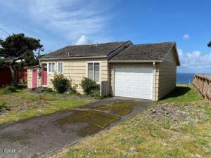 1933 NW Harbor Avenue, Lincoln City, OR 97367 - Exterior