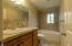 3071 Hidden Valley Rd, Toledo, OR 97391 - Guest Bathroom