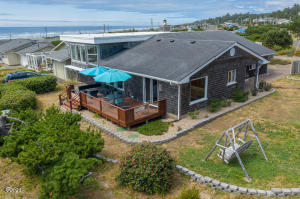 2402 NW Parker Ave, Waldport, OR 97394