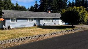 425 NE Edgecliff Drive, Waldport, OR 97394 - Front.-