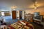 425 NE Edgecliff Drive, Waldport, OR 97394 - Lowerlevel bedroom