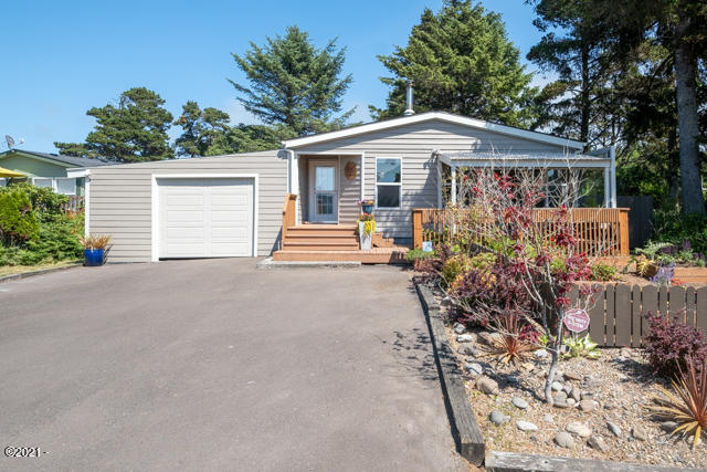 3810 Evergreen Ave, Depoe Bay, OR 97341 - Front View