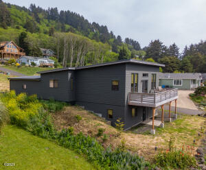 215 Windsong St, Yachats, OR 97498 - Main Photo