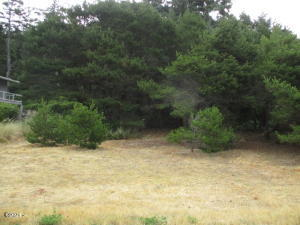 2409 NW Parker Ave, Waldport, OR 97394 - 2409 Parker Ave. lot