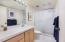 4175 N Hwy 101, B-4, Depoe Bay, OR 97341 - Guest Bath