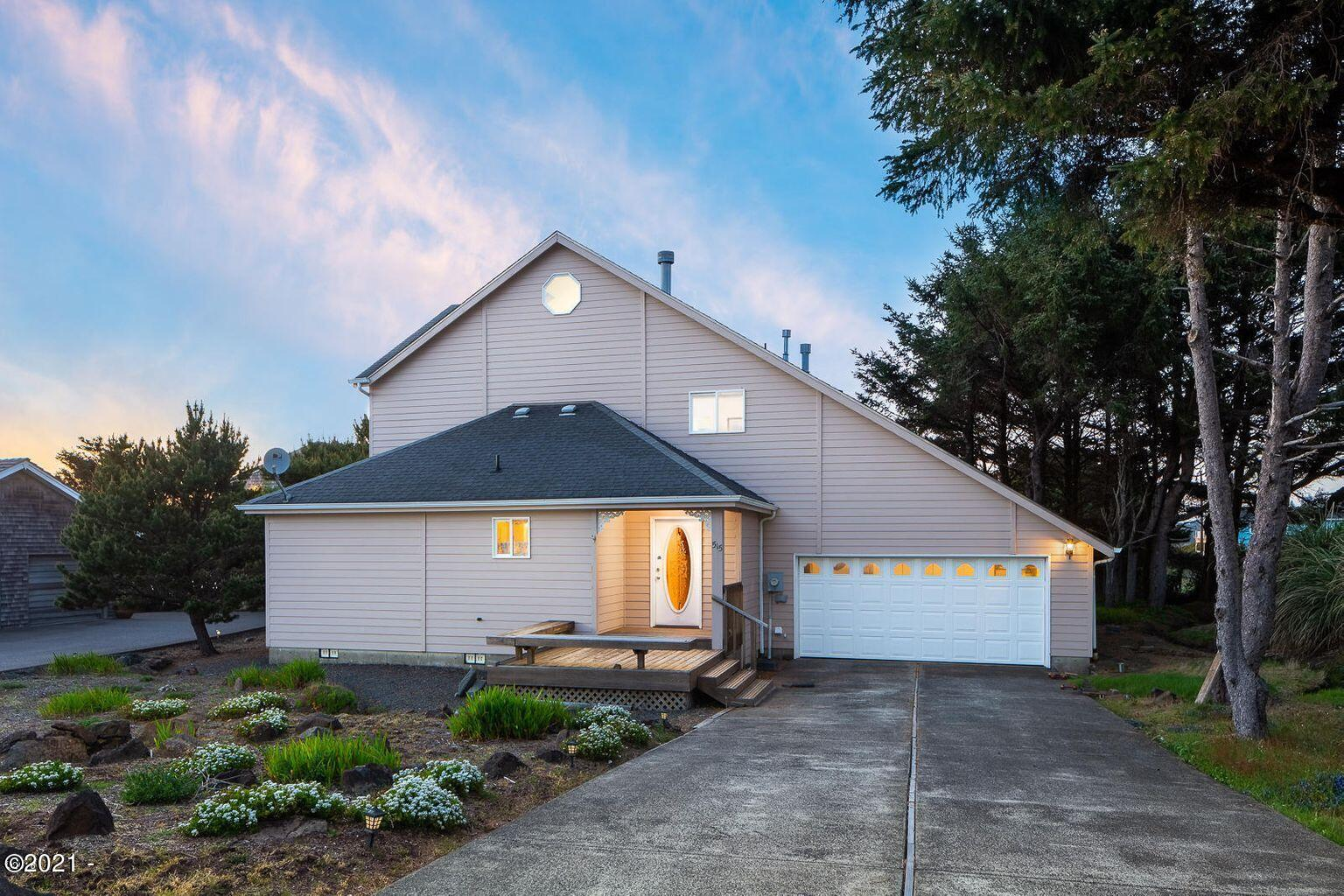515 SW Edgewater, Depoe Bay, OR 97341-9524 - Front of Home