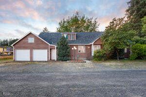 33360 East St, Cloverdale, OR 97112