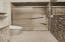 507 NW Alpine St, 304, Newport, OR 97365 - Bath 1