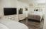507 NW Alpine St, 304, Newport, OR 97365 - Lower Bedroom