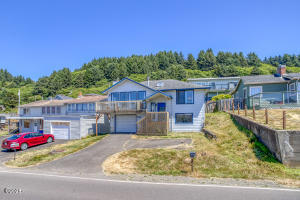 7228 NE Logan Rd, Lincoln City, OR 97367 - Front Exterior