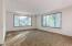 645 NW Westwood St, Toledo, OR 97391 - Living Room