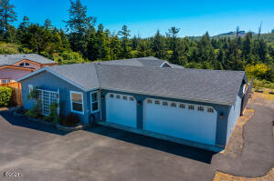 75 Piano Ct, Depoe Bay, OR 97394 - Front