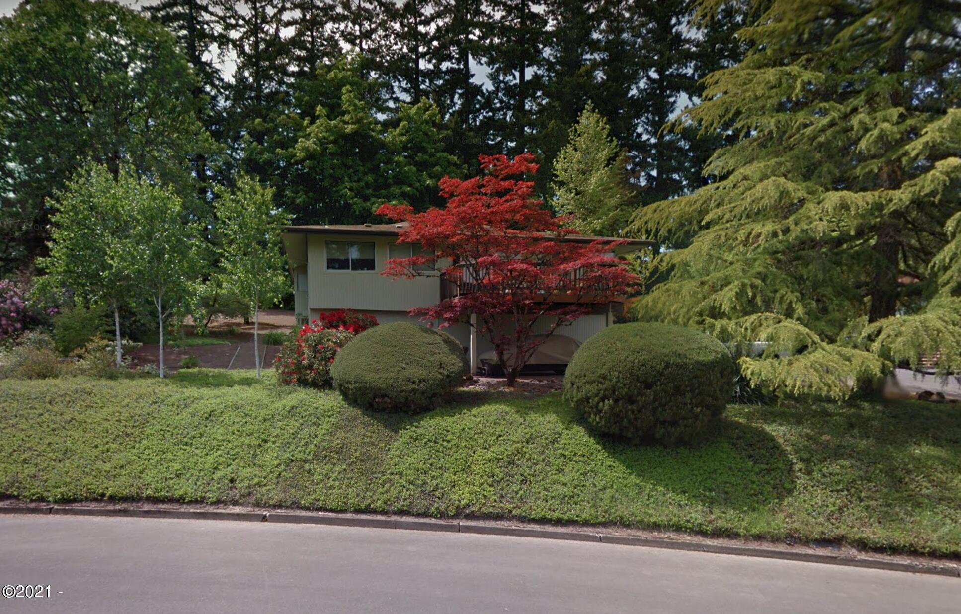 412 Walnut Dr S, Monmouth, OR 97361 - Front
