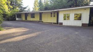 199 N Deer Hill Dr, Waldport, OR 97394 - Front