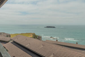 301 Otter Crest Dr, #360-1, 1/12th, Otter Rock, OR 97369 - View - left