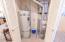 4175 Hwy 101 N, F-3, Depoe Bay, OR 97341 - Main Hall bath